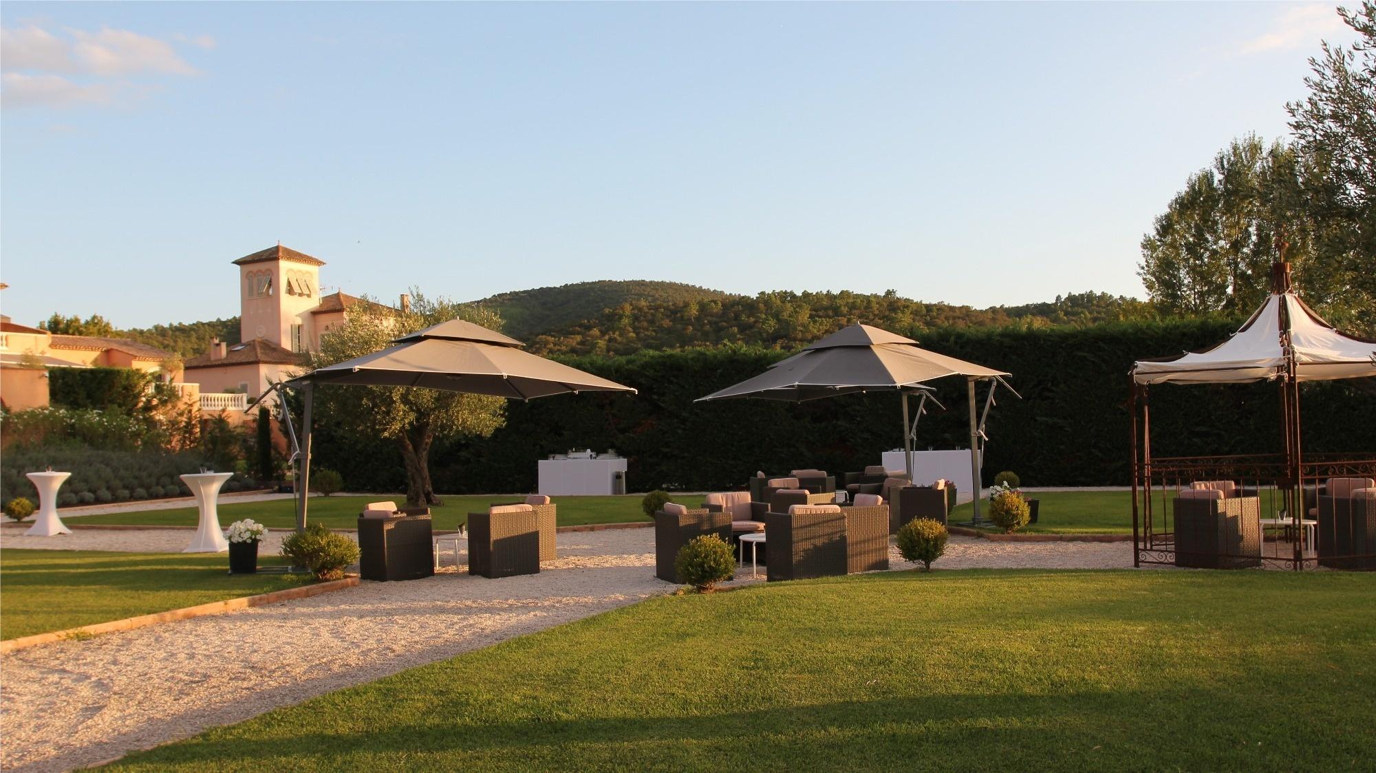 Locations Salle De Reception Avec Jardin A La Francaise Chateau